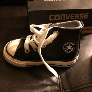 Toddler black leather converse size 4